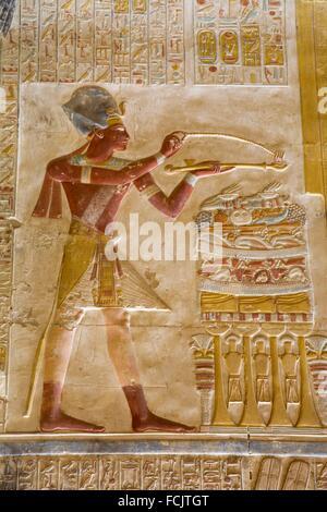 Bas-relief de pharaon Seti, Temple de Seti I, Abydos, Egypte Banque D'Images