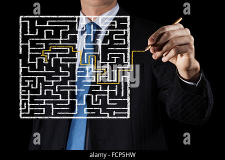Vue rapprochée de businessman dimensions façon labyrinthe