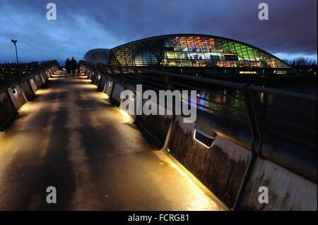 Le soir tombe sur le Science Centre de Glasgow. Crédit: Tony Clerkson/Alamy Live News Banque D'Images