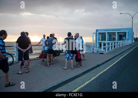 Bondi Beach, Sydney, Australie. 26 Janvier 2016: Journée de l'Australie, le lever du soleil sur Sydneys Bondi Beach Banque D'Images