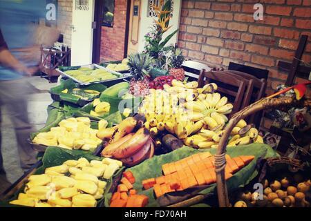 Divers Fruits frais dans la caisse Banque D'Images