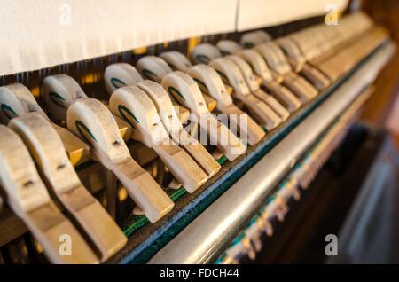 Marteaux de piano droit détail Banque D'Images