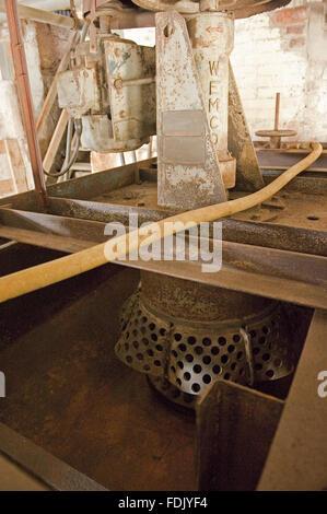 La Force à l'intérieur de la machinerie, les mines Crag Borrowdale, Lake District, Cumbria. Crag force de travail était la dernière mine de métaux dans le district du lac jusqu'à sa fermeture en 1991, le tri de plomb, de zinc et de barytine du rocher. Il s'agit d'un service ancien monument et une SSSI.