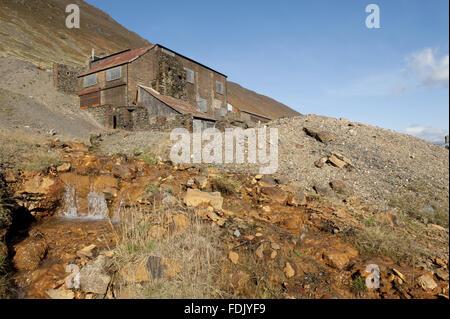 Vigueur Crag Mine, Borrowdale, Lake District, Cumbria. Crag force de travail était la dernière mine de métaux dans le district du lac jusqu'à sa fermeture en 1991, le tri de plomb, de zinc et de barytine du rocher. Il s'agit d'un service ancien monument et une SSSI.