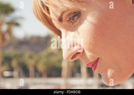 Close up of woman in profile Banque D'Images