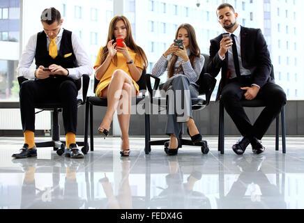 Les personnes en attente d'entrevue d'emploi