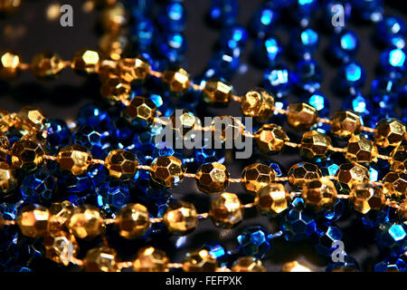 Vêtements de couleur bleue et or décorations, objets orientaux beeds