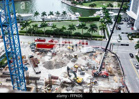 Le centre-ville de Miami en Floride nouveau bâtiment construction site généraux aérienne Vue aérienne au-dessus Banque D'Images