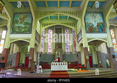 Intérieur de l'Eglise;;; Inde Meghalaya Shillong
