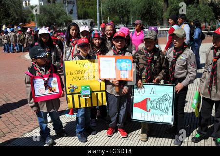 Les écoliers pour protester contre la pollution sonore, La Paz, Bolivie Banque D'Images