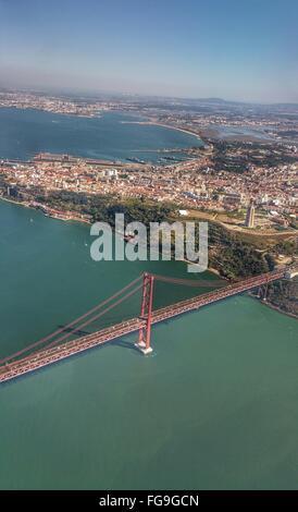Vue aérienne du 25 avril Pont sur le Tage Banque D'Images