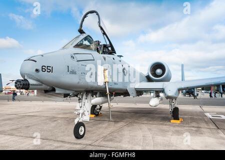 République Fairchild A-10 Thunderbolt II (stationnement) montrant le nez-monté 30 mm GAU-8/un autocanon rotatif Avenger