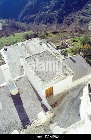 L'architecture traditionnelle: les toits en terrasses dans la région de Las Alpujarras. Capileira, province de Banque D'Images