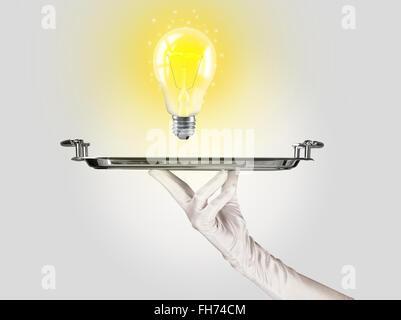 Idée astucieuse concept avec ampoule sur le bac