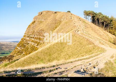 Retour Tor dans soirée d'automne du soleil. Cette colline fait partie de la grande crête, Derbyshire Peak District Banque D'Images