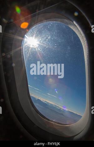 Oaxaca, Mexique - La vue de la fenêtre sur un avion de passagers sur Interjet Oaxaca, Mexique.