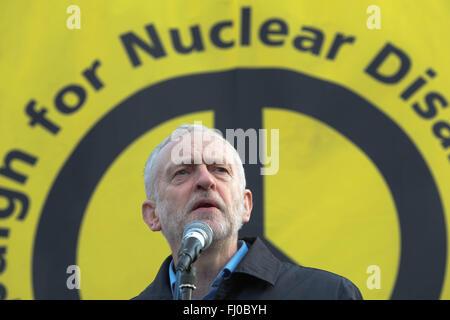 Londres, Royaume-Uni, le 27 février, 2016. Adresse Jeremy Corbyn plus grande manifestation anti-Trident Credit: Thabo Jaiyesimi/Alamy Live News