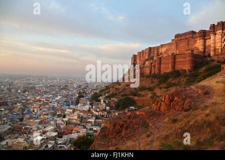 Lever du soleil sur le Fort Mehrangarh, Jodhpur, Rajasthan , Inde