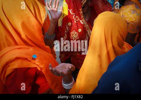 Pushkar mela juste chameau , personnes , Scène de rue et l'atmosphère Banque D'Images