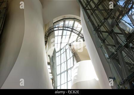 Intérieur du Musée Guggenheim Bilbao Espagne conçu par Frank Gehry Banque D'Images