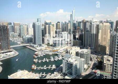 Le point de vue de la skyline de La Marina de Dubaï à Dubaï depuis le haut d'un hôtel dans la région. En 2006 la Banque D'Images