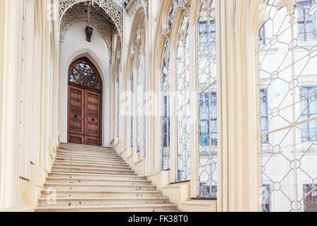 Beaux escaliers en Château Hluboka, Hluboká nad Vltavou. République tchèque
