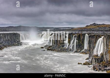 Le puissant Selfoss waterfall dans le nord de l'Islande Banque D'Images