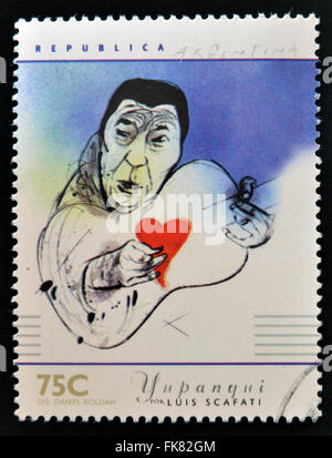 Argentine - circa 1997: timbre imprimé en Argentine dédié aux musiciens argentins, spectacles Atahualpa Yupanqui Banque D'Images