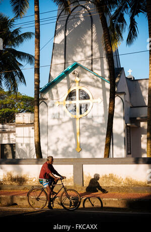 L'extérieur de l'église, fort Kochi (Cochin), Kerala, Inde Banque D'Images