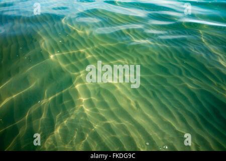 Les ondulations de l'eau sur la plage de Port Gregory, l'ouest de l'Australie Banque D'Images