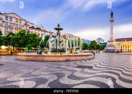Lisbonne, Portugal cityscape at place Rossio. Banque D'Images