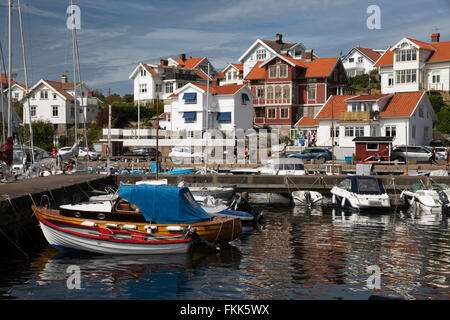 Vue sur port de vieux village de pêcheurs, Mollösund, Bohuslän Orust, côte, au sud-ouest de la Suède, Suède, Scandinavie, Banque D'Images