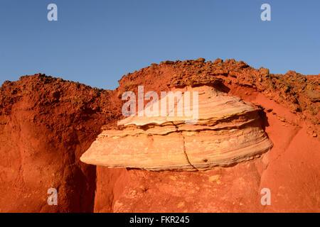 Détail de la Formation de la roche rouge Pindan Reddell, Plage, Gantheaume Point, Broome, région de Kimberley, en Banque D'Images
