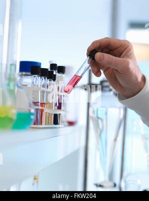 La préparation de chimiste formule chimique pour les essais en laboratoire Banque D'Images
