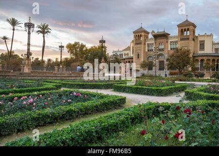 Espagne, Andalousie, Séville, Parque Maria Luisa, Musée des Arts et Traditions Populaires situé dans le pavillon Banque D'Images