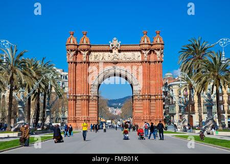Espagne, Catalogne, Barcelone, l'Arc de Triomf par l'architecte Josep Vilaseca i Casanovas comme entrée principale Banque D'Images