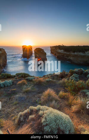 Loch Ard Gorge au coucher du soleil, Port Campbell National Park, Great Ocean Road, Victoria, Australie Banque D'Images