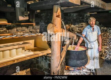 Fromagerie dans une fromagerie, Musée en plein air Ballenberg, Berne, Suisse Banque D'Images