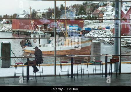 Café à la borne en hors-bord à Finnsnes. Un petit village situé dans la municipalité de Lenvik comté de Troms. La Banque D'Images