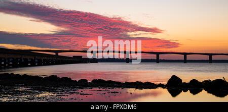 Coucher de soleil sur l'Ile d'Oleron bridge Banque D'Images