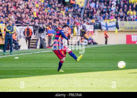 VILLARREAL, ESPAGNE - 20 mars: Lionel Messi joue à la correspondance entre la Liga Villarreal CF et le FC Barcelone Banque D'Images