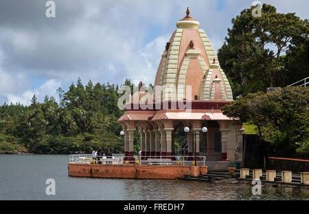Temple hindou, le lac du cratère sacré Grand Bassin ou Ganga Talao, Maurice Banque D'Images