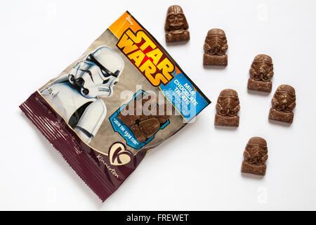 Sachet de chocolat au lait traite de la guerre des étoiles de Star Wars 9 boîte de sélection pièce de chocolats Banque D'Images