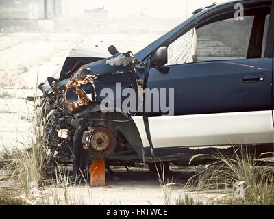 vieille voiture s'est écrasée Banque D'Images