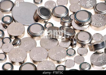 Les piles pour appareils électroniques - différentes tailles Banque D'Images