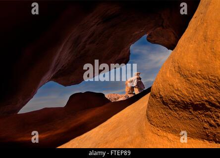 Une après-midi, regarder à travers l'image de la Vallée de Feu State Park près de Las Vegas Nevada Banque D'Images
