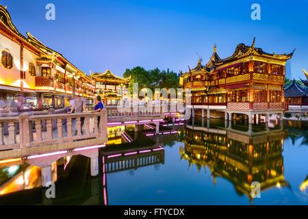 Shanghai, Chine vue au quartier traditionnel Jardin Yuyuan. Banque D'Images