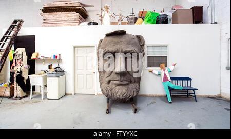 30 mars 2016 - Houston, Texas, États-Unis - chefs présidentielle par le sculpteur David Adickes sont stockés à l'Sculpturworx Adickes Studio jusqu'à une époque où une maison permanente soit trouvée pour eux.(Image Crédit: © Brian Cahn via Zuma sur le fil)