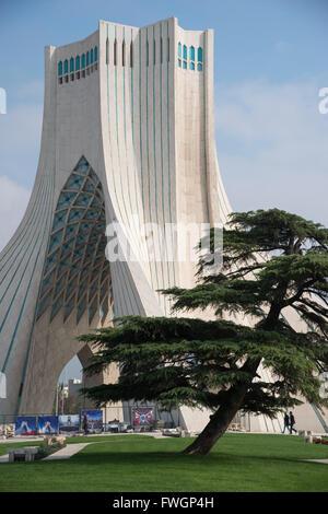 La tour Azadi, à Téhéran, l'Iran, l'Asie occidentale Banque D'Images