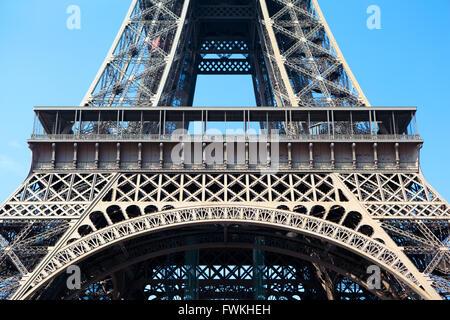 Tour Eiffel partie milieu premier étage libre Banque D'Images